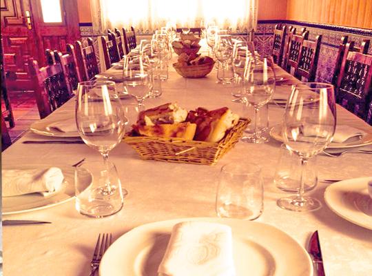 reservar-mesa-meson-conrado-2